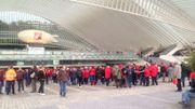 Ce jeudi matin, devant la gare des Guillemins.