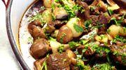 Recette de Candice: Agneau aux herbes, petites pommes de terre et champignons à la sauge et à l'ail