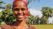 Ofaecsse est la chef des femmes. C'est elle qui a la responsabilité d'accompagner les femmes dans le lancement de petits commerces.