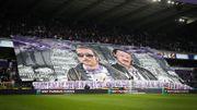 Le tifo Dikkenek des fans anderlechtois, Tielemans et Koller mis à l'honneur
