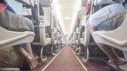 Il faut demander la permission avant de descendre son siège dans l'avion