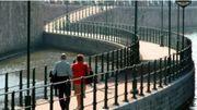 Un aménagement tel que celui qui existe pour le ravel devant l'aquarium de Liège pourrait s'implanter sous les ponts des Arches et Kennedy