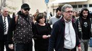 La famille du rappeur Pavlos Fyssas, poignardé par un membre d'Aube Dorée, à l'ouverture du procès en avril 2015