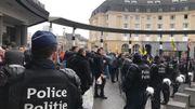 """Les manifestants pour la """"marche contre Marrakech"""" se rassemblent gare centrale"""