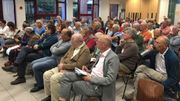Au premier rang des participants à la réunion d'information organisée la semaine dernière, le climatologue Jean-Pascal van Ypersele (UCL).