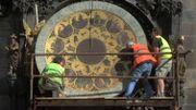 La célèbre horloge astronomique du vieux Prague s'arrête pour six mois