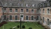Le jardin du cloître pourra être découvert par le public après la rénovation de l'abbaye de Marche-les-Dames.