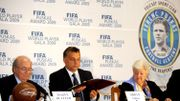 Viktor Orban, fondateur de l'Académie de football et le président de la FIFA Sepp Blatter avec Erzsebet Puskas, veuve de la légende du football hongrois