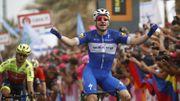 Viviani s'impose au sprint lors de la 2ème étape du Giro, Planckaert 9ème, Dennis nouveau leader