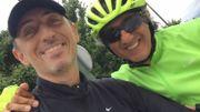 Gad Elmaleh et Richard Anconina à vélo.