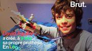 À seulement 9 ans, il crée sa propre prothèse…en Lego