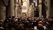 Attentats à Bruxelles: 600 personnes assistent à la veillée à la cathédrale Saint Michel