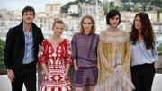 L'équipe de la Danseuse, à Cannes, Gaspard Ulliel, Mélanie Thierry, Lily-Rose Depp,Stephanie Sokolinski alias Soko et la réalisatrice Stéphanie Di Giusto