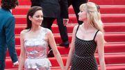Angèle et Marion Cotillard main dans la main au Festival de Cannes 2021