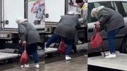 Le geste insolite: comment aider une dame à atteindre sa voiture dans une rue inondée?