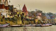 Coronavirus en Inde: des dizaines de corps présumés morts du Covid-19 s'échouent sur les rives du Gange