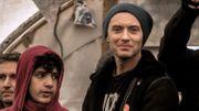 """Jude Law et d'autres acteurs dans la """"Jungle"""" de Calais pour soutenir les migrants"""