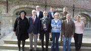 Le gouvernement flamand en 2014, emmené par Geert Bourgeois (N-VA). Le ministre en charge de Bruxelles, Sven Gatz, est au second rang.