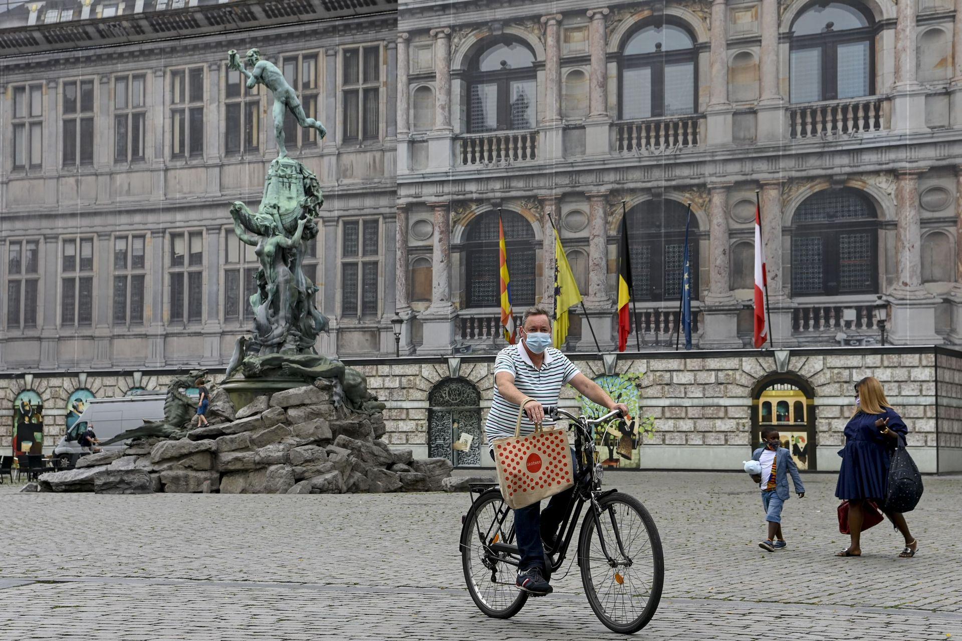 Coronavirus En Belgique Pas Encore De Couvre Feu Ce Soir A Anvers