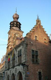 Son beffroi a été reconnu au titre de patrimoine de l'UNESCO.