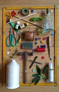 Chaque mois, les artisans du workshop partagent leur savoir-faire à travers des ateliers créatifs variés et originaux autour de l'artisanat, la création et les méthodes naturelles.