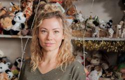 """Les plus belles photos de Laetitia Milot enceinte dans """"Un bébé pour Noël"""""""