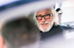 """Pierre Richard dans Hep Taxi ! : """"Foutez moi la paix !"""""""