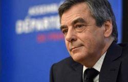 Présidentielle française - France: Fillon se défend après de nouvelles révélations - © Belga