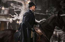 Pourquoi Russell Crowe vend ses souvenirs de tournage aux enchères ?