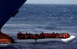 Navires humanitaires en contact direct avec les trafiquants d'êtres humains libyens