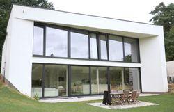 Nouvelle maison contemporaine en Brabant Wallon - RTBF Une brique ...