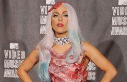 Lady Gaga et sa fameuse robe composée de viande !