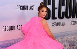 Jennifer Lopez: ses 30 tenues de soirée les plus mémorables