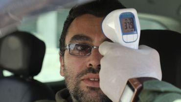 """Coronavirus: """"Les médecins commencent à leur tour à tomber malades"""" dit l'l'ABSyM"""
