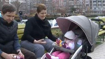 Roumanie: la crise risque de raboter le congé parental