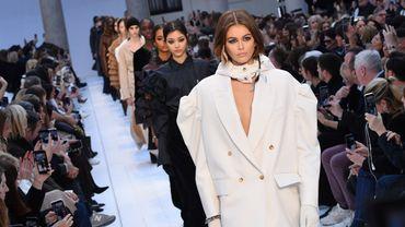 Kaia Gerber lors du défilé Max Mara automne-hiver 2020 à la Fashion Week de Milan, le 20 février 2020.