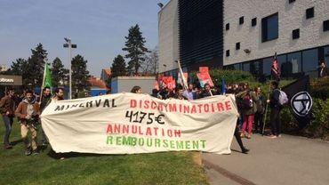 Jeudi, une septantaine d'étudiants protestaient pour dénoncer la hausse de supplément de minerval pour des étudiants des pays en développement.