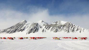 Airbnb envoie ses voyageurs en Antarctique pour une mission scientifique.