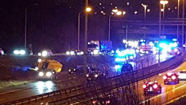 Un accident impliquant plusieurs véhicules s'est produit ce lundi matin sur le ring 3 de Charleroi, à hauteur de Montigny-Le-Tilleul.