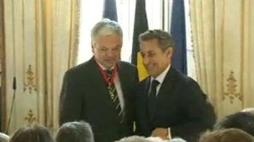 Nicolas Sarkozy remet la Légion d'honneur à Didier Reynders