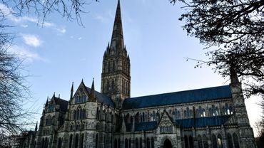 La Magna Carta a été signée le 15 juin 1215 par le roi d'Angleterre Jean Sans Terre.