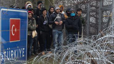 La commission européenne prépare une nouvelle aide additionnelle de 500 millions d'euros pour les réfugiés syriens en Turquie et plusieurs autres mesures afin d'apaiser les tensions avec Ankara.