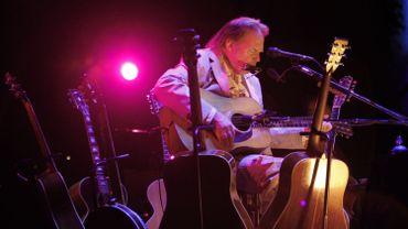 L'artiste canadien Neil Young sortira un livre autobiographique cet automne