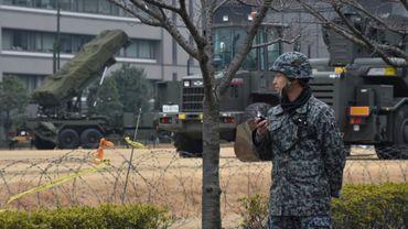 Un soldat japonais dédié à l'autodéfense à Tokyo, le 6 mars 2017