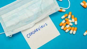 Manger du fenouil, boire des produits chimiques… ces faux remèdes contre le coronavirus