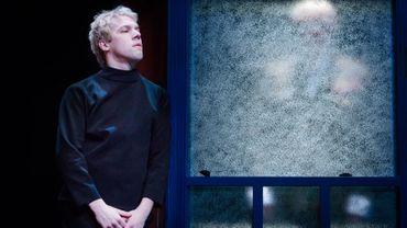 Thomas Mustin est Hamlet