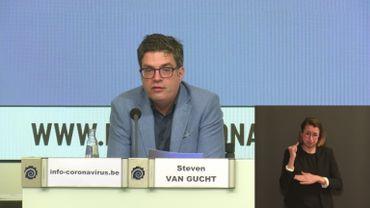 """Steven Van Gucht: """"Le plateau des quatre dernières semaines tient bon pour l'instant"""""""