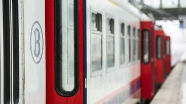 Les trains effectuant la liaison Ostende-Eupen et Courtrai-Welkenraedt, ainsi que les Thalys sont déviés et accusent dès lors un retard d'une vingtaine de minutes.