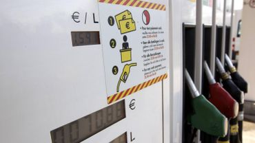 Les prix des carburants seront en baisse mardi