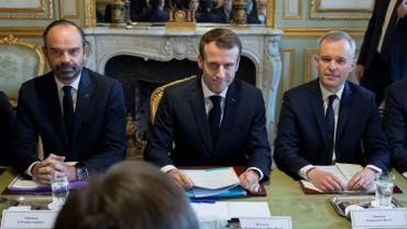 """Gilets jaunes: Emmanuel Macron dit """"entendre les protestations d'alarme sociale"""" sans renoncer (2)"""